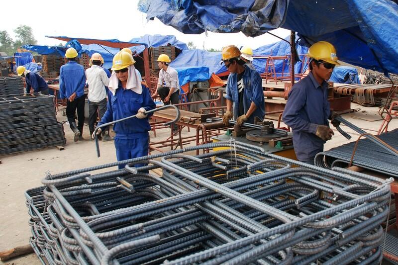 Sắt thép là vật liệu xây dựng có nhiều biến động về giá